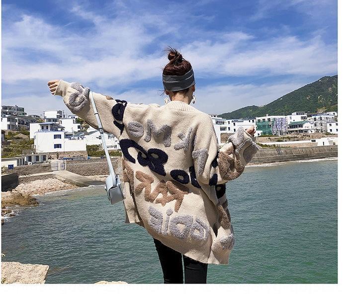 LfY12 Весна и осень Новый потерять ленивый стиль пальто пальто свитер свитер средней длины Корейский стиль письма Женской утолщенной Вязаная кофта фас