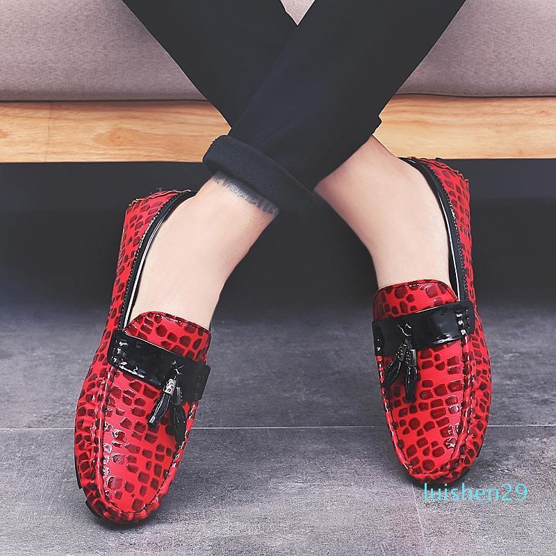 Nuovo slittamento 2020 uomini dei fannulloni mocassini su cuoio Flats Uomo Uomini scarpe casual scarpe di moda nappe nero alla guida Plus Size L29