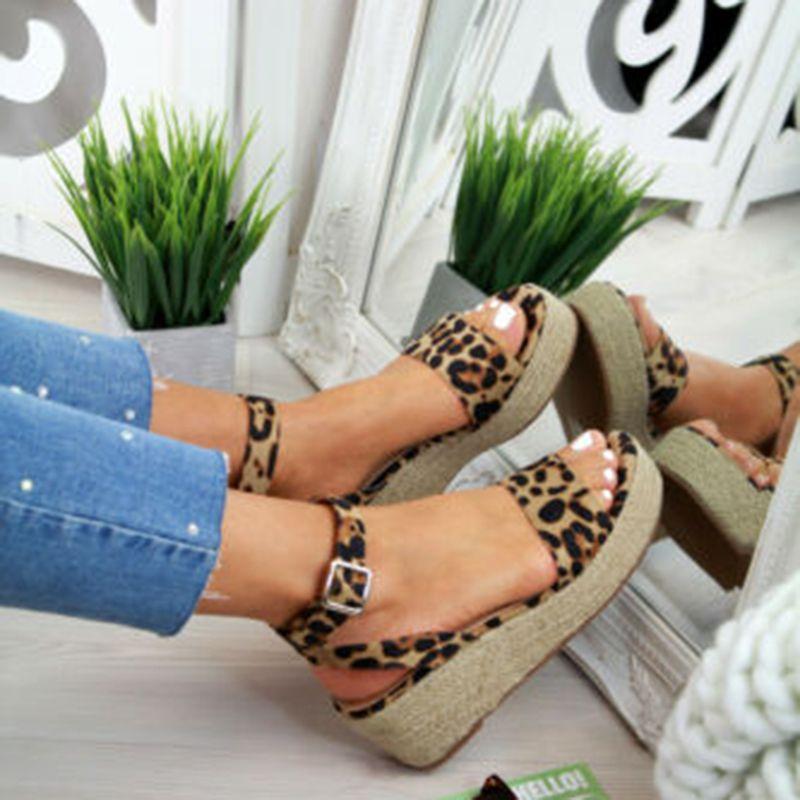 Laamei Sommer-Plattform-Sandelholz 2019 Mode Frauen flache Sandale Keil-Schuhe Beiläufige Frau Peep Toe Damen Plateau Sandalen GMX190705 CS08