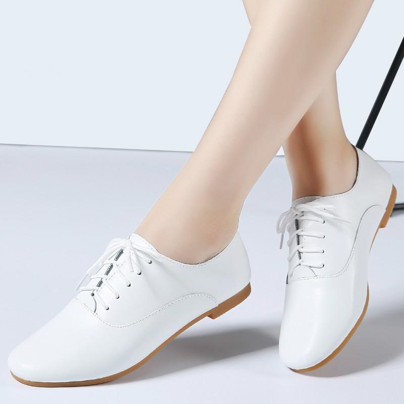 2020 Autumn Frauen Oxford-Schuhe Ballerinas Schuhe Frauen echtes Leder Mokassins schnüren sich oben Faulenzer weiß