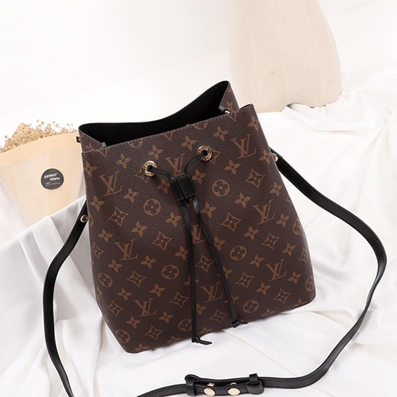 Haut de la qualité des femmes en cuir seau sac à main dames Sac à bandoulière avec cordon de serrage Messenger luxe Fashion Style Crossbody Rapide