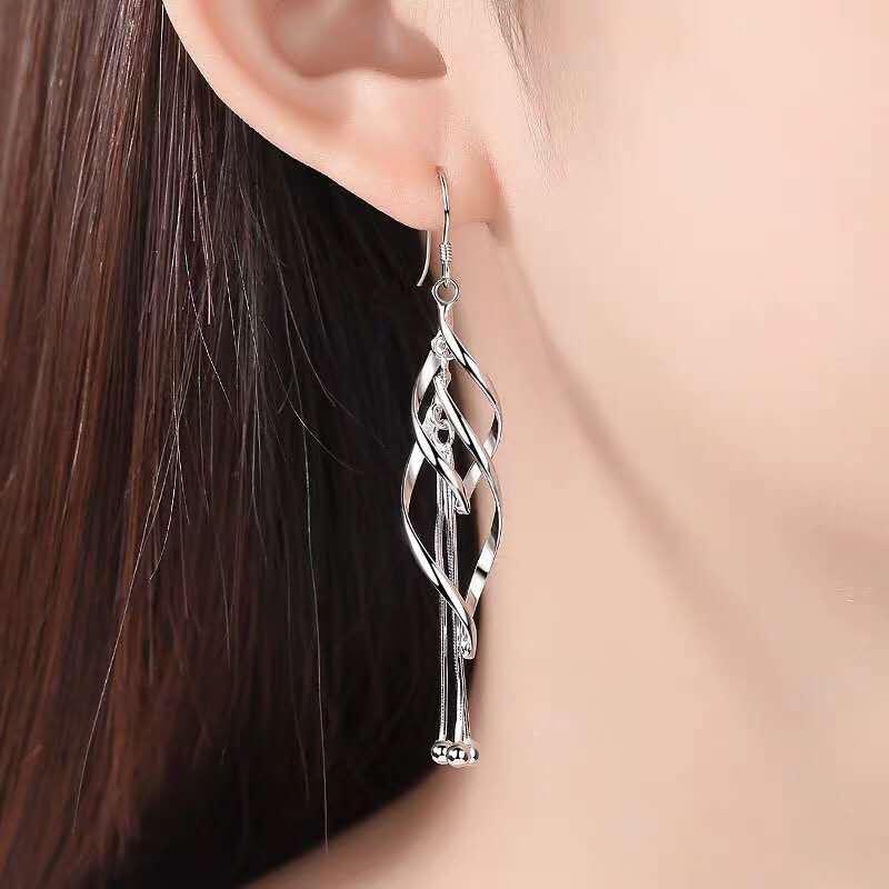 Francês Long pingente Brincos Dangle candelabro de prata Stud adequados para a coleta partido social de moda simples charme jóias ouvido