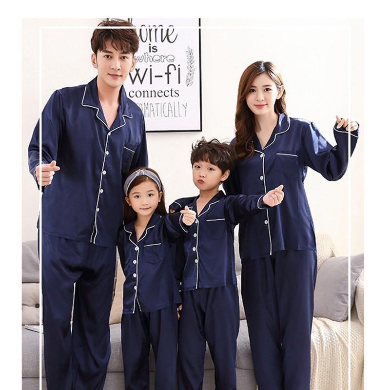 Canção de Julho Pijama Familiar Set Emulação Seda Novas Pijamas Crianças Sleepwear Pai-Child Pajamas Family Outfits Mulher Pijama Y200713