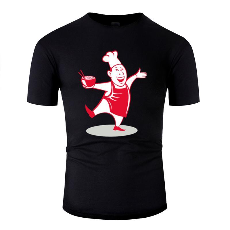 Estate Chef asiatica che serve Noodle Bowl Ballando fumetto Tshirt naturale divertente Mens T Shirt rotonda fitness Collare Tee Top