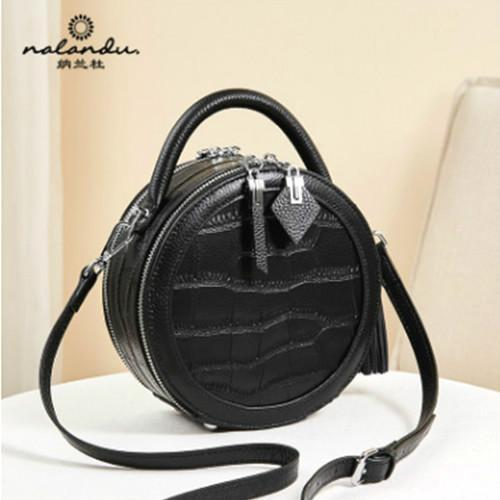 E10 Nalandu Fashion handbag 2020 new fashion small round bag women s slung leather crocodile pattern black handbag trend
