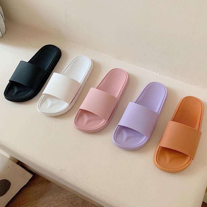 Zapatillas de casa 2020 antideslizante ducha interior Casa deslizadores del verano de los hombres de diapositivas para las mujeres playa de las mujeres del verano Zapatos Tamaño 45