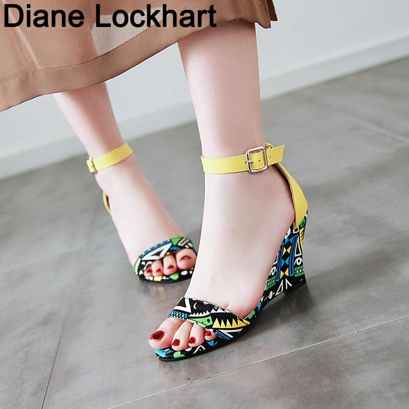 Nouveau Designer Imprimer Denim Sandales Sandales romaine de haute qualité Wedges hauts talons peep-toe Chaussures Femme Plateforme Feminina Mujer