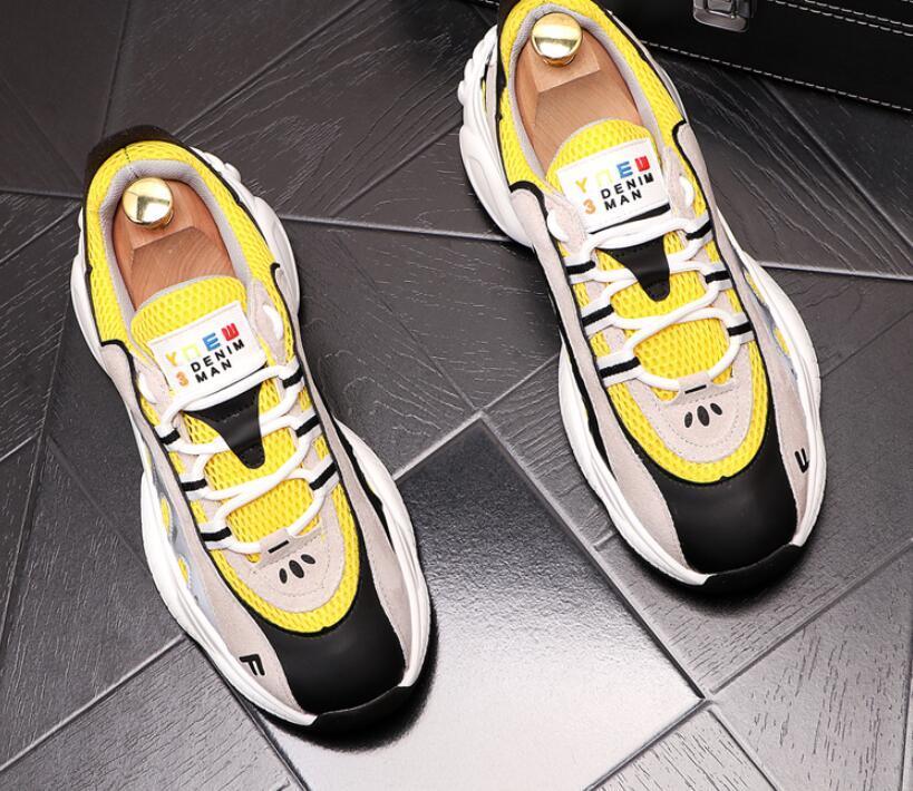 2020 Frühjahr neue Retro-britische Designer Turnschuh-Mann-beiläufige Ebene Schuhe Männliche starke untere Hochzeit Mokassins Loafers