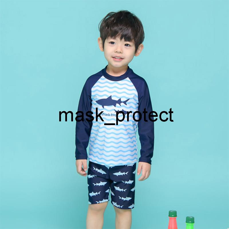 2020 new boys' baby swimsuit wave fish medium and large children's swimming trunks