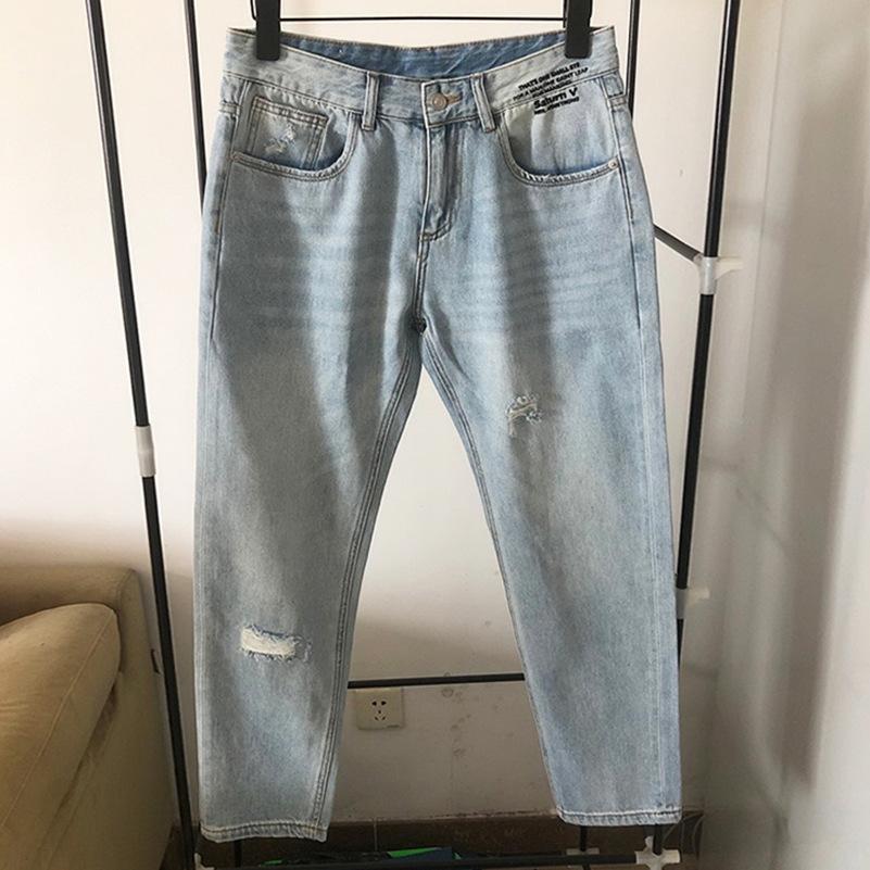 BwM07 Jeans lBVSN Tide br 2019 Herren-Frühlings- und Sommerlichtfarbe Löcher britischen Stil Briefdruck und P Hosen und Jeans Füße Harlan lang