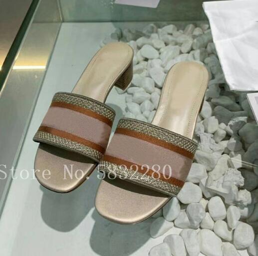 Moda lüks tasarım düz çevirme yaz terlik şerit karışık Renkler Slaytlar açık sandalet Euro boyutu 41 42 işlemeli flop