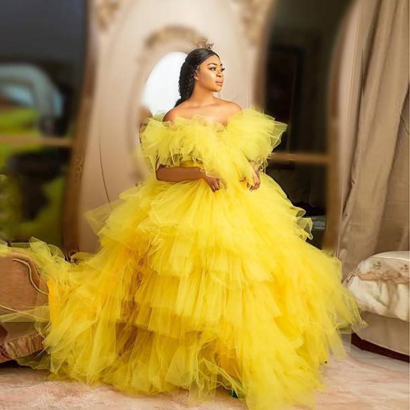 Vestido de bola amarilla Vestido de noche formal Puffy Vestidos en escala Tulle Off Shoulder Party Dress Plus Tamaño Tiered Ruffles Chic Vestidos de baile