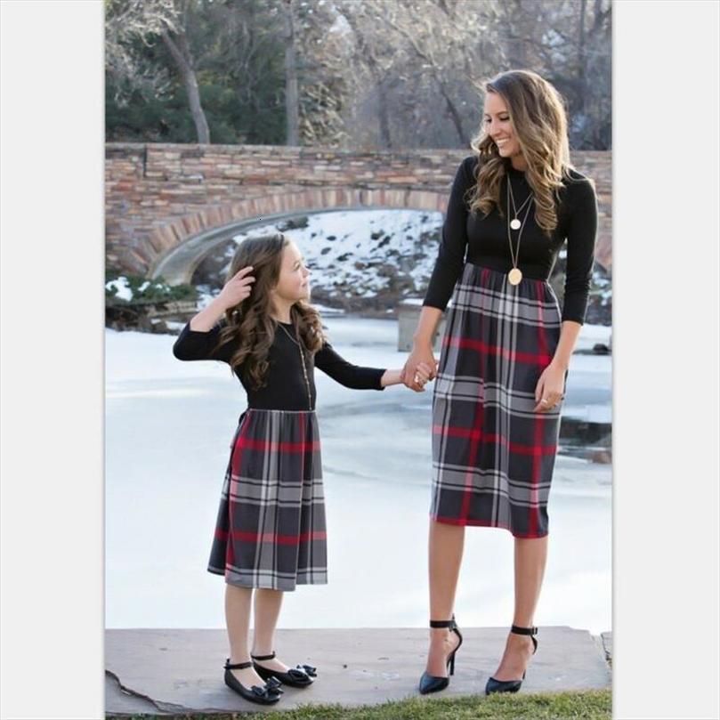 Yeni Moda Kış anne kızı Elbise Veli Çocuk Giydirme Kadınlar Kız Aile Ekose Kıyafetler Damla Nakliye