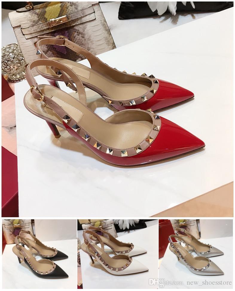 Designer calça as sapatilhas Kate Styles Salto Alto Sandálias Salto 9cm Couro Ponto Toe Bombas pulseira de borracha com tachas rebites sapatos