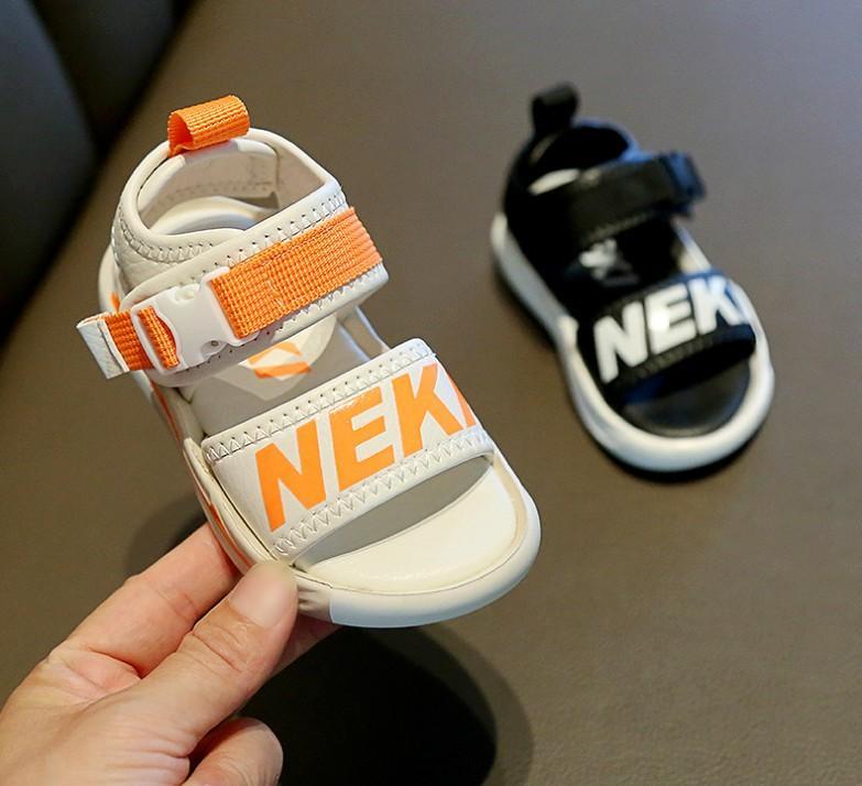sandálias 2020 novas médias e grandes das crianças antiderrapantes pequenos meninos Meninos sapatos de praia das meninas de verão sapatos infantis solas macias