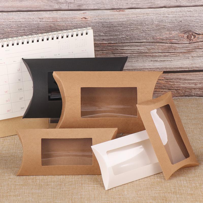 10pcs bricolage Blank Paper Box cadeau Mutlisize oreiller boîte-cadeau avec PVC transparent fenêtre Kraft brun / blanc / noir papier Fenêtre Pour