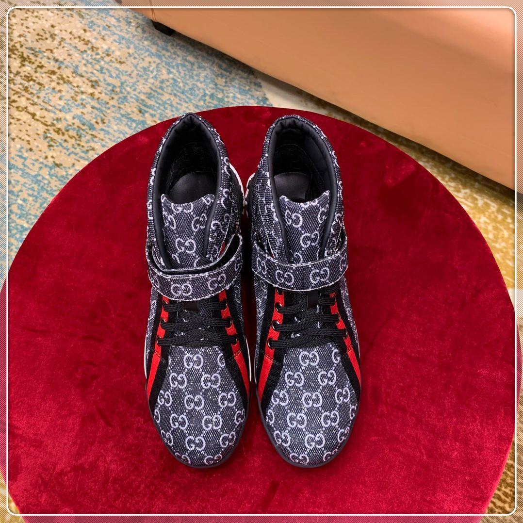 Run Away Scarpe Sneaker Mens casuali di lusso Scarpe versione di qualità superiore degli uomini suola in gomma Chaussures pour hommes pizzo