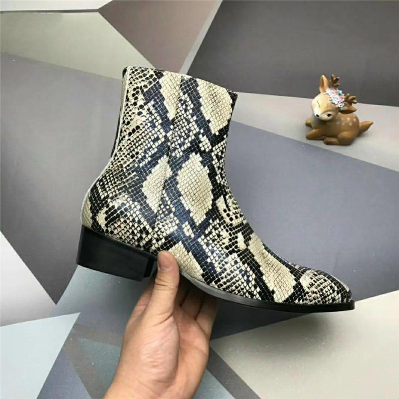 2020 حار العصرية أزياء الرجال الكلاسيكية أحذية جلد البقر بيثون الحبوب الذهب الفضة الغربية فارس مارتن أحذية حجم كبير 38-47