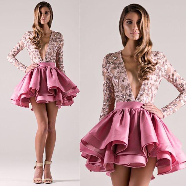 세련된 동창회 드레스 마이클 코스텔로 짧은 댄스 파티 드레스 - 라인 스팽글 Appliqued 깊은 V 넥 긴 소매 이브닝 칵테일 드레스