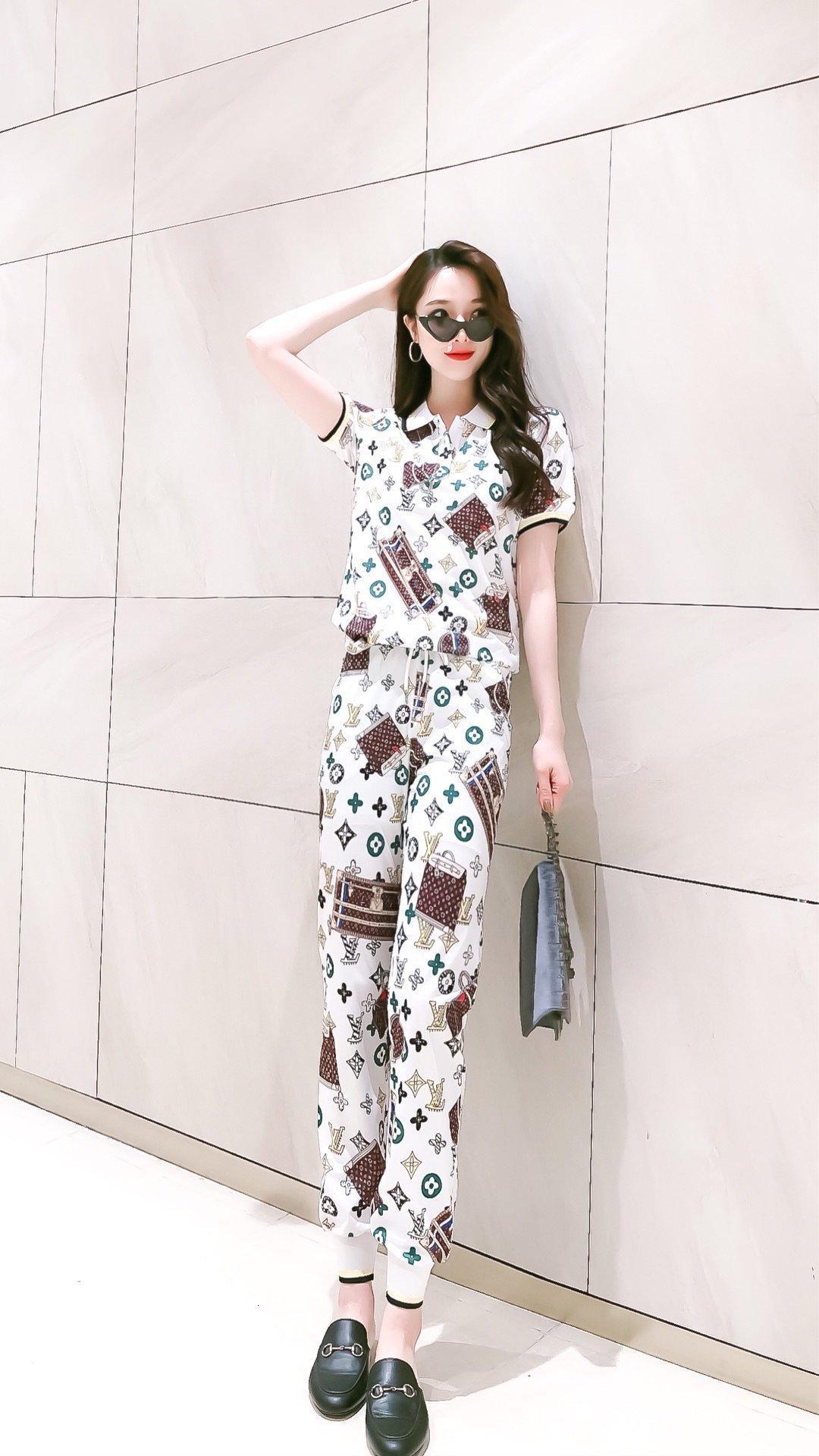 дизайнер Женщина Двухкусочного Нижнего женщины из двух частей обмундирования женщин конструктора нарядов ринулись оптовым рекомендую моды новых простой 5R3M 1H7G