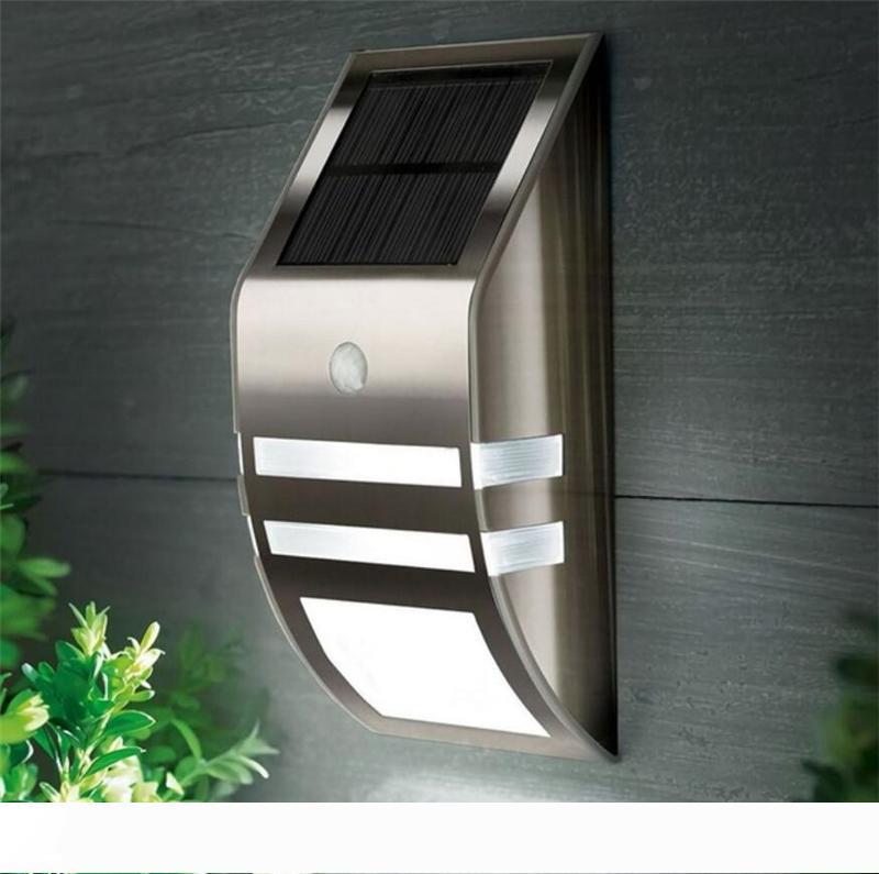 Güneş Enerjili Duvar Işık 2 LED Otomatik Hareket Sensörü Güvenlik Işık Su geçirmez Sokak Işık İçin Avlu Güverte Yard Bahçe