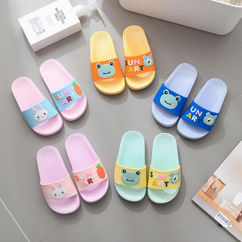 Kinder-Sommerschuhe Mädchen Karikatur-Hauptschuh Junge Non-Slip Flip Flop Kleinkind Badezimmer Schuhe Kinder Strand Pantoffel Zapatillas