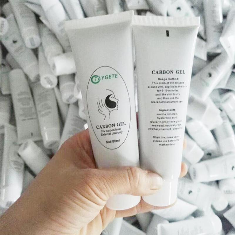 استخدام كريم الكربون في ND ياج آلة الليزر لعلاج دمية سوداء تنظيف الوجه العميق وتجديد شباب الجلد