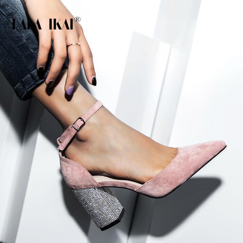 LALA Ikai Wedding CALZATURE DONNA 2020 Scarpe a punta Piazza cristallo di Bling scarpe con tacchi fibbia Shallow Sandal Partito Pompe XWC6736-4 CX200715