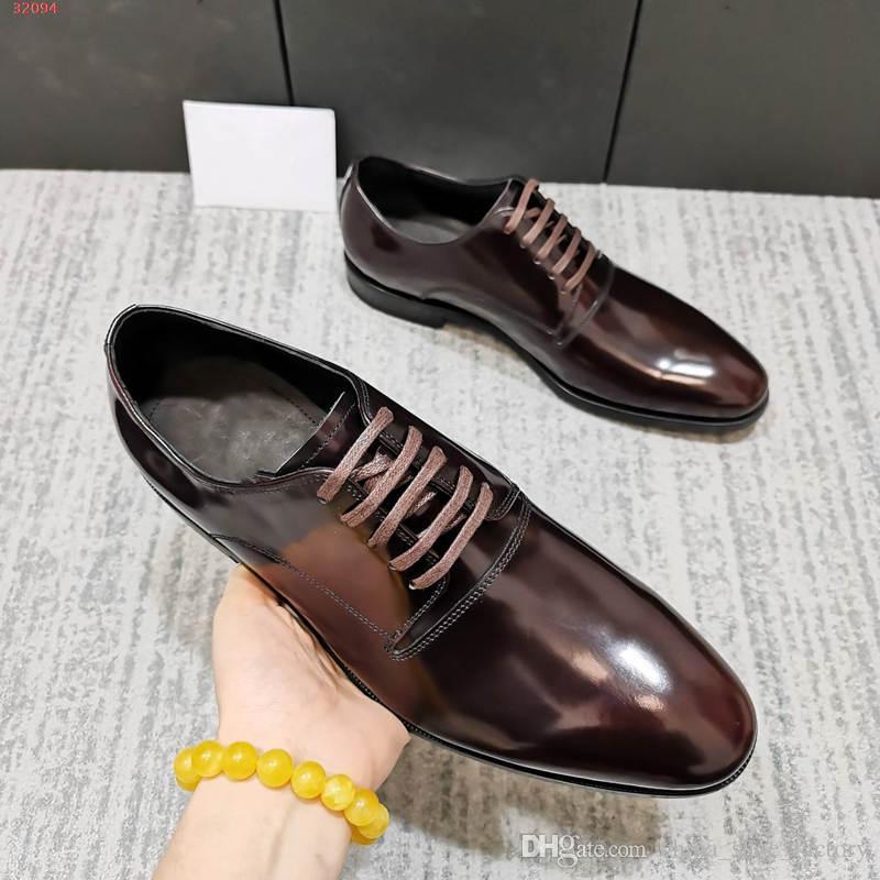 2020 neue klassisches Lackleder Männer kleiden Lederschuhe der stilvollen Männer Schuhe in schwarz und Schokolade im Jahr 2020 die neuen