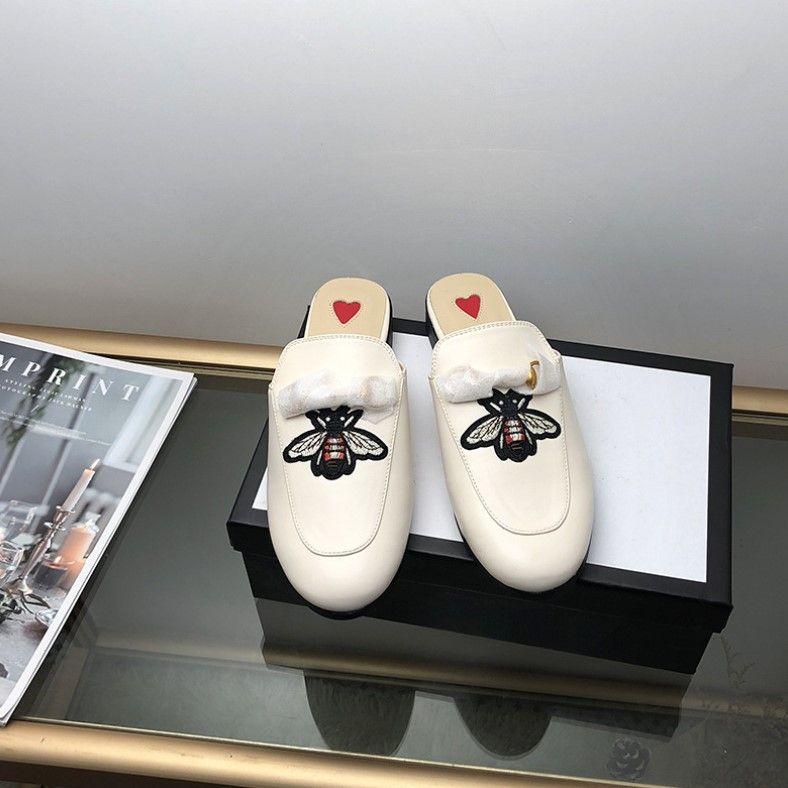 El diseñador de moda de lujo zapatos de las mujeres mulas exterior plana de la manera de las señoras de los holgazanes Mule verano de las mujeres zapatillas de gamuza zapatos de cuero genuinos CS05