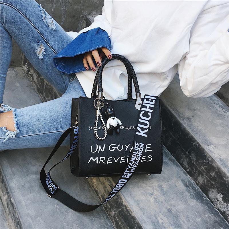 Luxuxfrauen beschriften Schulter-Beutel Umhängetaschen für Frauen 2020 Art und Weise PU-Kurier-Beutel-Handtaschen-Damen Designer-Wannen-Beutel W605