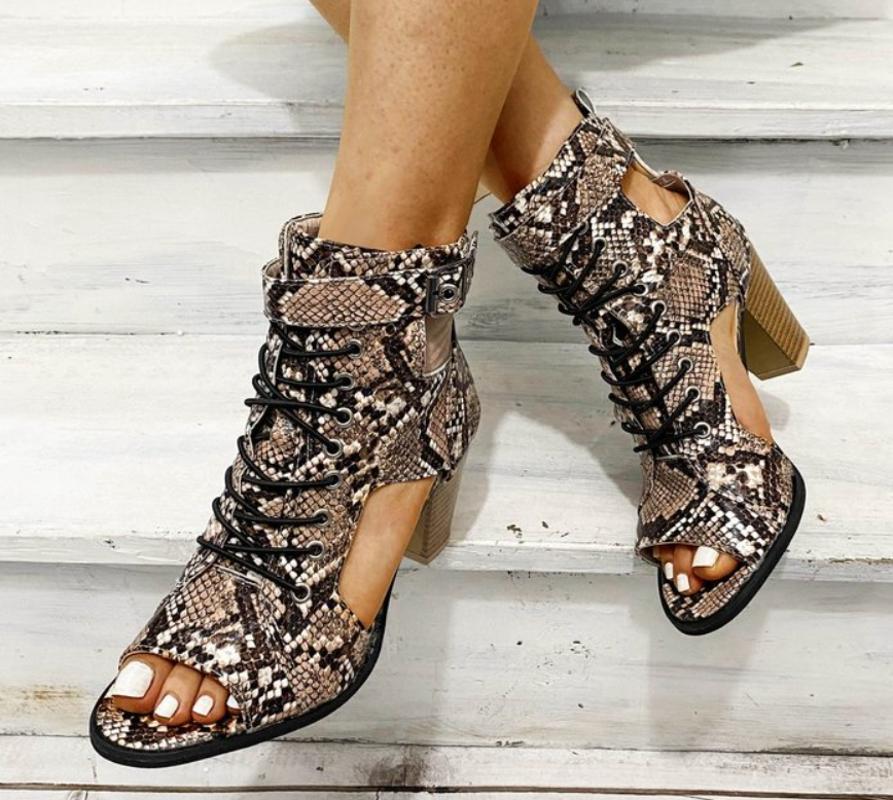 Nuevo verano de las mujeres sandalias del dedo del pie sólido Flock pío de la hebilla del tamaño extra grande de alta Square Gladiador zapatos de los tacones de las mujeres ocasionales de las sandalias