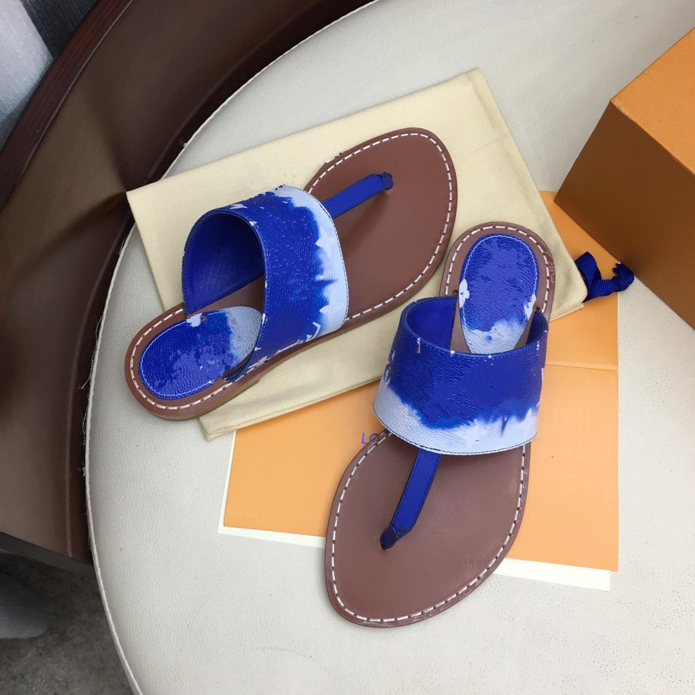 2020 High End Qualidade nova patente em couro colorido de lona plana Thong Mule Azul Slides Ladies Sandálias Vermelho Rosa Tamanho 35 a 40