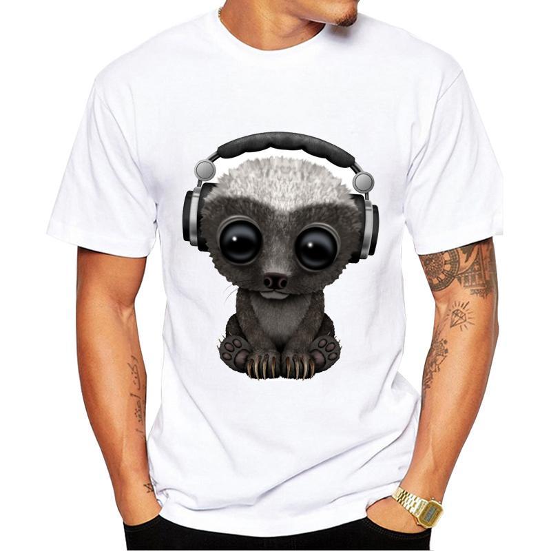 Erkek Tişörtü Tees Serin Tops yazdır Casual Komik Hayvan tişört Kulaklık Dizayn Mens giymek Yeni Moda Sevimli Bebek Honey Badger Dj