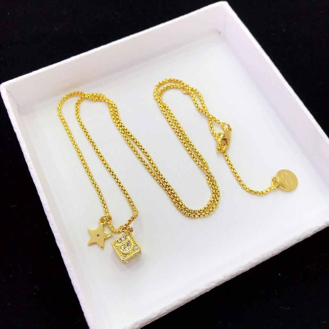 Новая линия продает кости ожерелья Роскошное ожерелье из латуни и инкрустированный бриллиантами буквенное