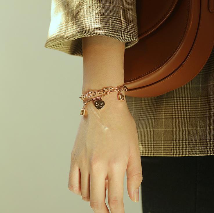 Pequeño amor de la manera diseño de doble de titanio pulsera de acero
