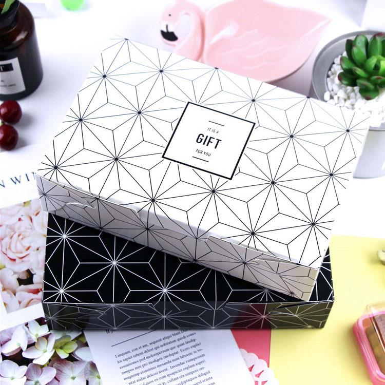 New Style White/Black Gift Box 21.5x14.5x5cm Large Size Present Boxes Handmade Pastry Cupcake Box and Packaging
