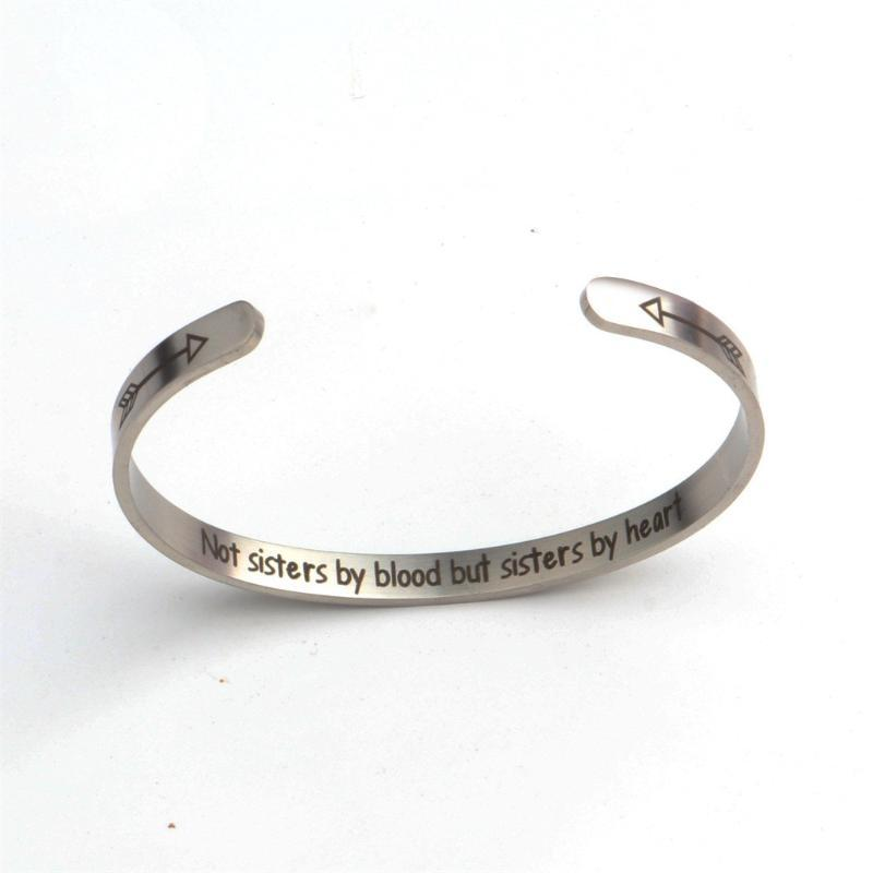 Femmes Multilayer main creuse Pendentif Bracelet Bracelet en perles Set Tassel Pendentif