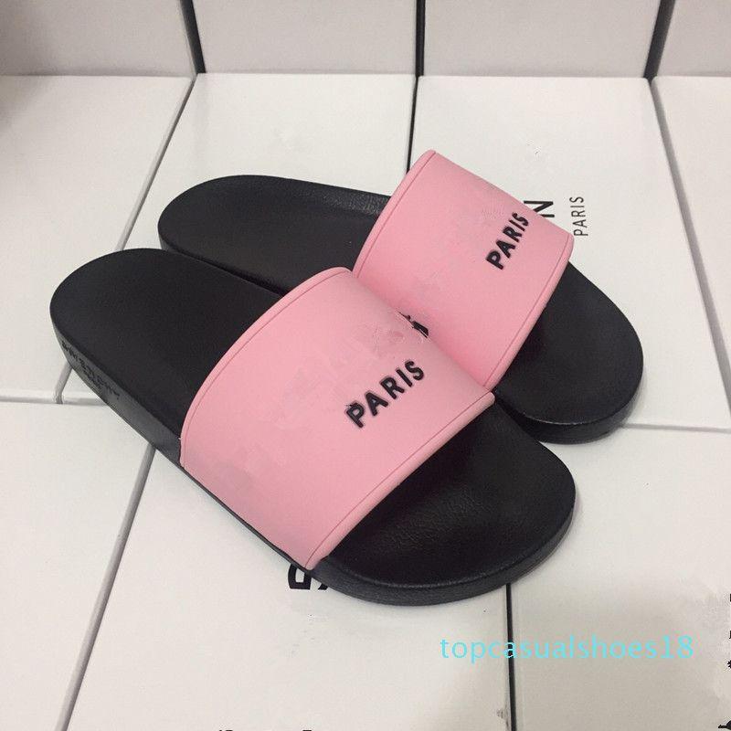 2019 Marque Hommes Femmes Scuffs Sandales Designer Chaussures de luxe Diapo Été Mode plat large Slippery Sandales Slipper flip T18