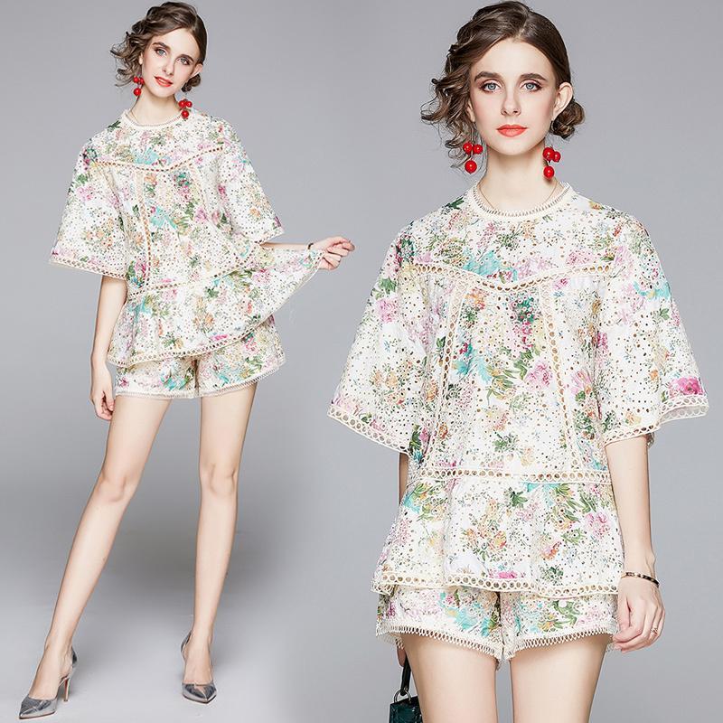 Yaz pist 2adet Kadın Bayanlar Çiçek Baskı Hollow Out Mürettebat O Yaka Kısa Bell Sleeve Üst Gömlek Bluz Şort Eşofmanlar Kıyafetleri ayarlar