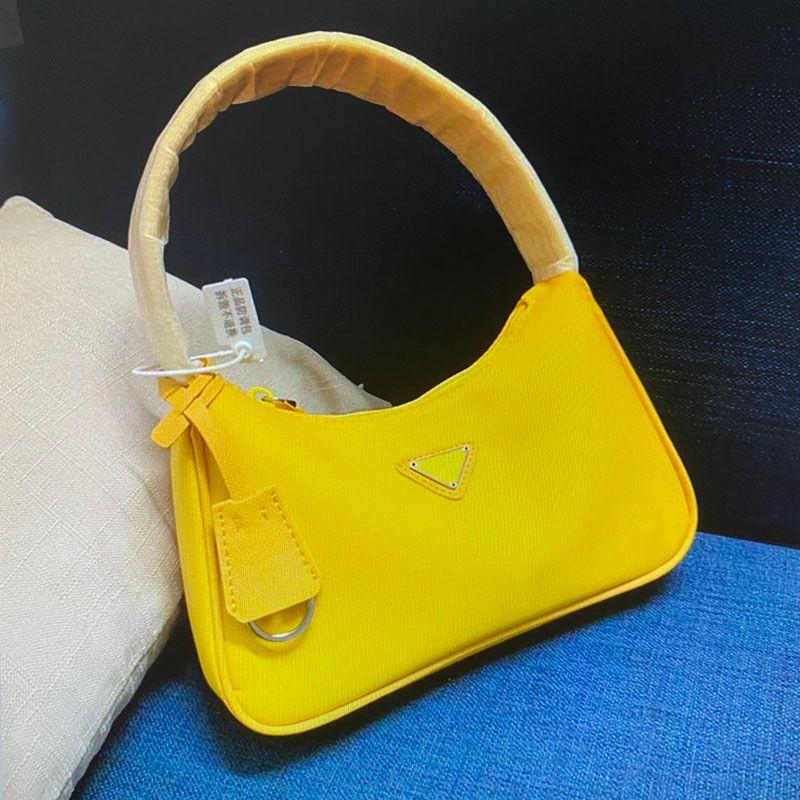 Paquete de bolsas 1NE515 Bolsa de hombro Capacidad Single Hobo para el pecho Vintage Nylon Wholesale Monederos Mujeres Reedición Moda Bolso Bolsa Messenger RBVV