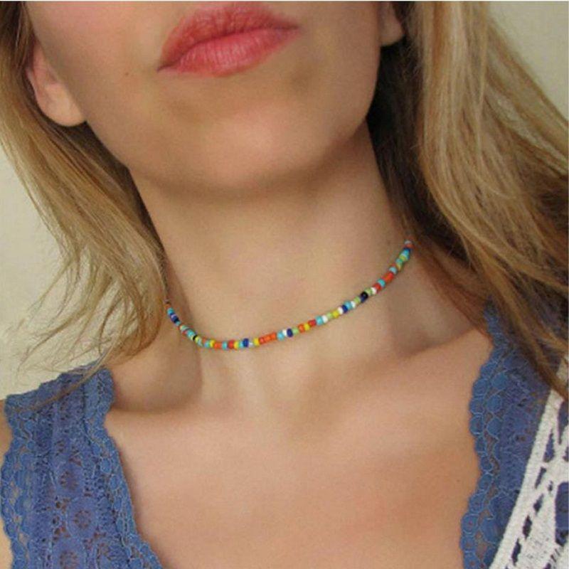 Мода Choker Choker Ожерелье Цвет Акриловые бусины Связались с металлической частью Обастерной цепи Серебряные Цветные Женщины Подарок