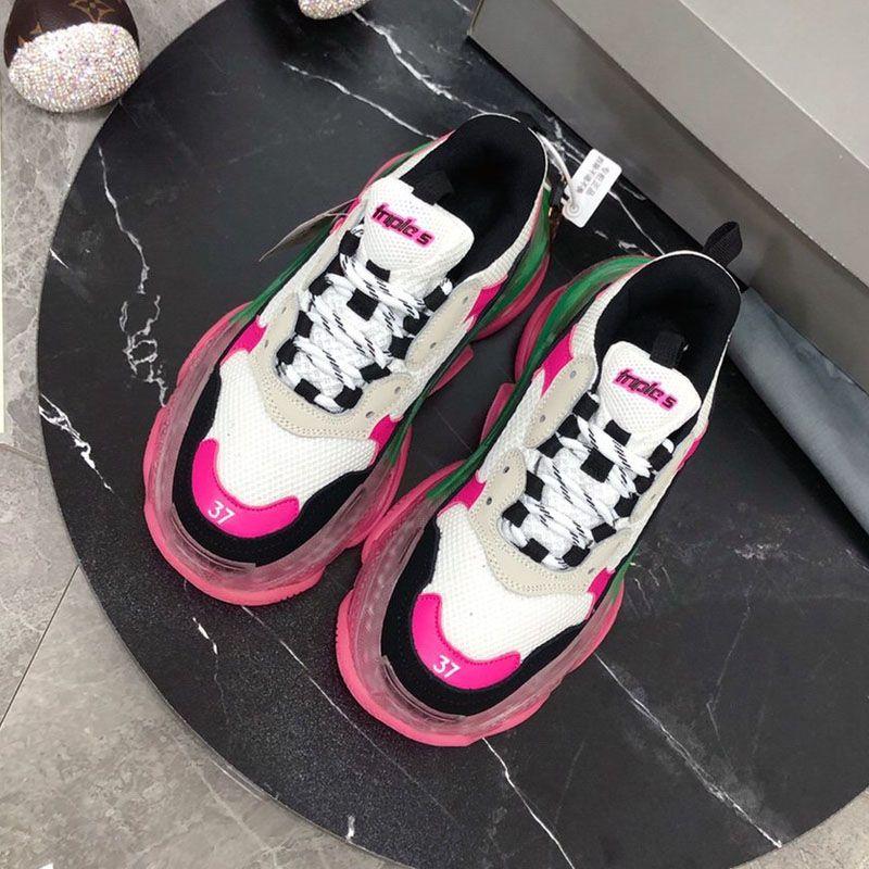 Top qualidade Designer de sapatos de luxo Mens Mulheres Calçados casuais, homens e mulheres Sneakers Modelos casal Tênis TRIPLE S único K04 Transparente