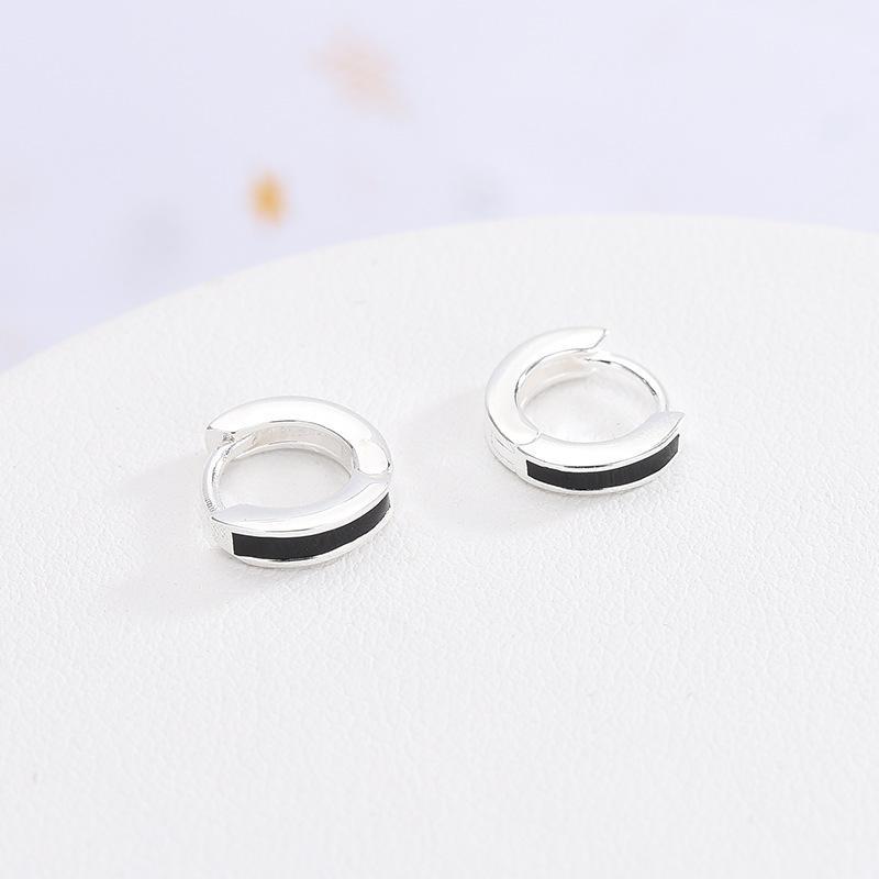 S925 plata Pendientes japonés y coreano epoxi pendientes de Blanco y Negro simple pendientes fresco pequeña joyería