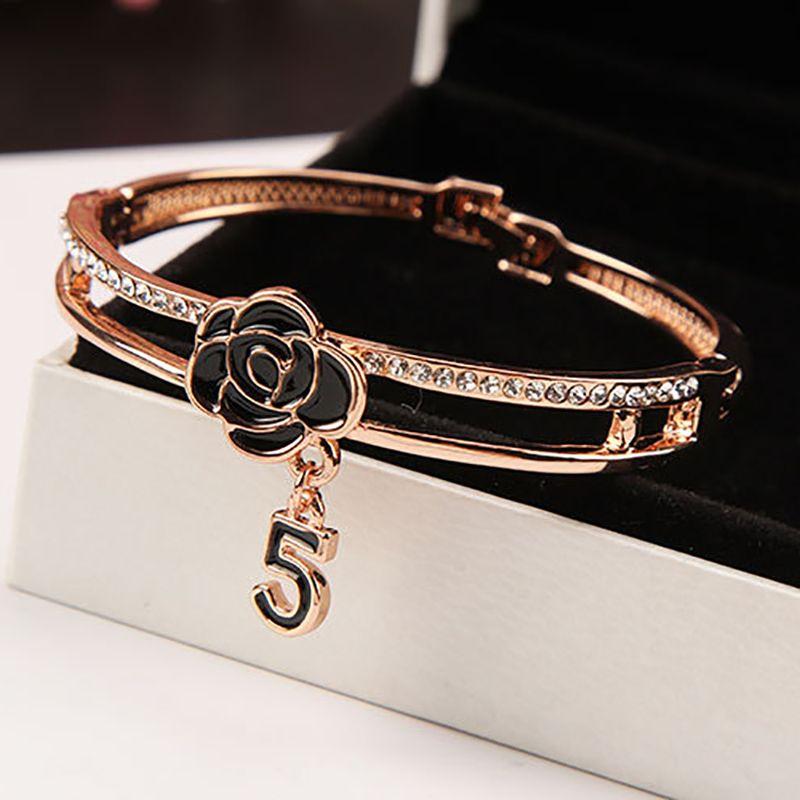 Korean Black Enamel Camellia Bangle for Women Shine Crystal 5 Letter Bangles Bracelet Fashion Brand Wedding Jewelry Z093