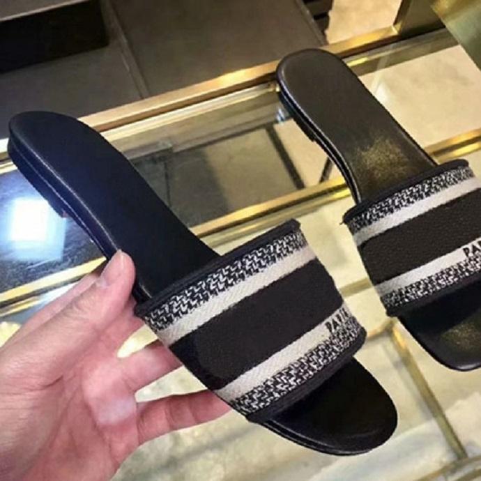 sapatos de moda Women Sandals Verão Flats Sexy de luxo de couro reais sandálias plataforma de design Flats Shoes Ladies Beach 008 58