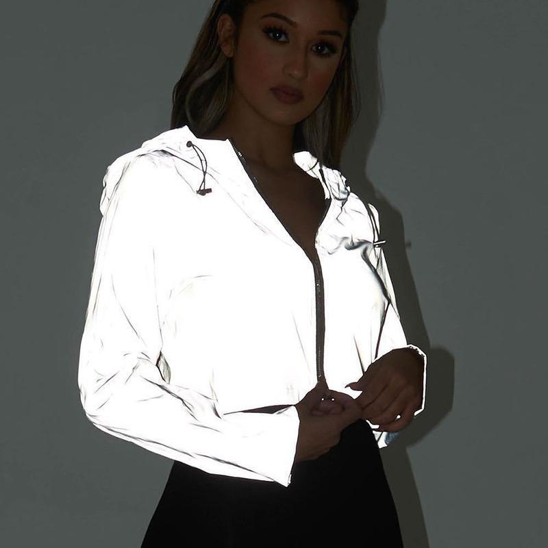 Ins Noche reflectante chaquetas con capucha de algodón mujeres Streetwear mujeres chaqueta de manga larga recortada Escudo Femme flojo de la cremallera Outwear CX200728