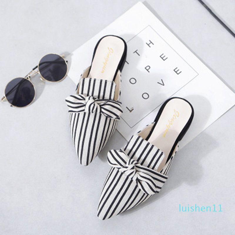 Elegante Mulheres Striped mulas Chinelos Pointed-Toe Plano Ladies Escritório Calçados Butterfly-nó Decoração Calçados Femininos Verão Slides l11