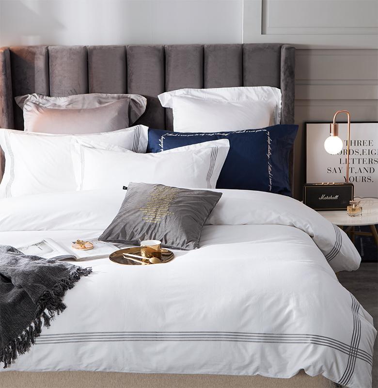 Hotel di lusso letto di Regina King Size ricamo cotone egiziano bianco farmi deliziare Copripiumino lenzuolo foglio / montato Cuscino