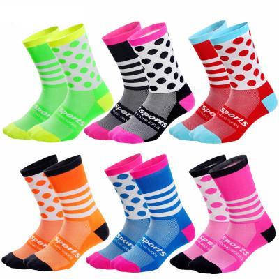 Hombres diseñador de las mujeres Calcetines 2020 nueva llegada deporte de la bicicleta estilo de correr calcetines coloridos calcetines transpirables resistentes al desgaste